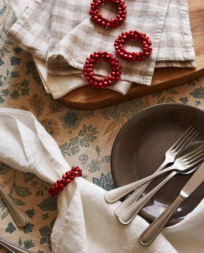 red christmas napkin rings
