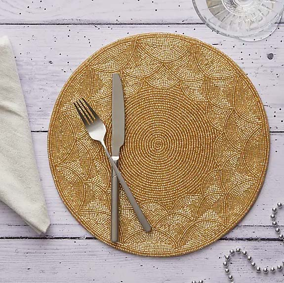 traditional gold christmas place setting
