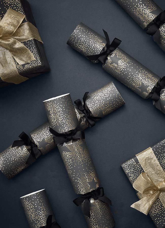 luxury christmas crackers black and gold
