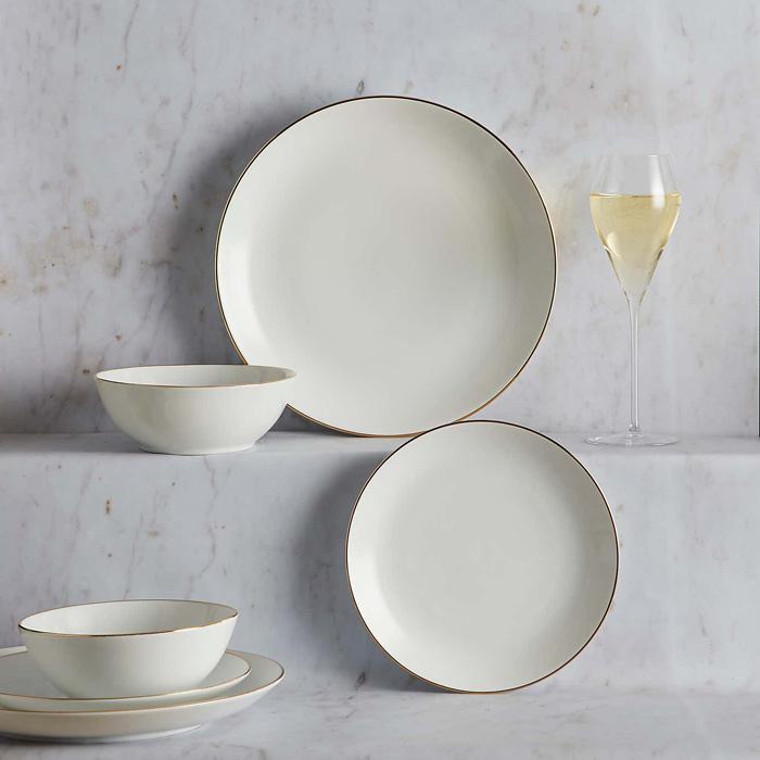 christmas table setting plates